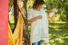En el patrón vas a encontrar las indicaciones para tejer este chal - (Incluye videotutoriales) - Idioma Español Crochet Shawl, Etsy Shop, Women, Step By Step Instructions, Shawl, Crocheting, Language, Weaving, Cute Stuff