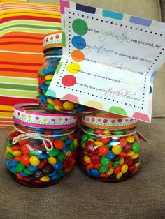 Teacher Appreciation Gift: Candy and Poem Volunteer Appreciation, Teacher Appreciation Week, Teacher Gifts, Principal Appreciation, Craft Gifts, Diy Gifts, Baby Food Jar Crafts, Presents For Teachers, School Gifts