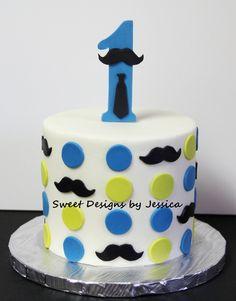 Smash cake for 1st birthday