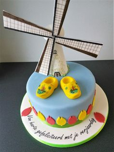 Dutch clogs cake