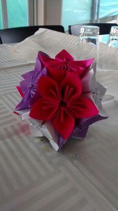 Flores origami para decorar espacios