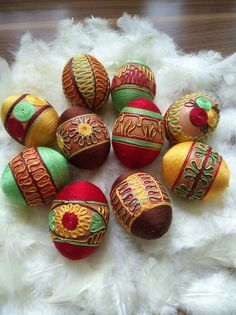 Easter Eggs, Home Decor, Homemade Home Decor, Interior Design, Home Interiors, Decoration Home, Home Decoration, Home Improvement