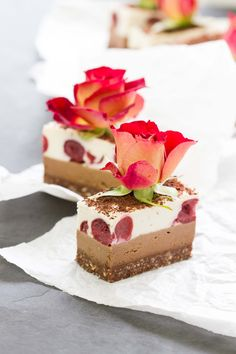 RAW Black Forest Slice // Free from refined sugar, grains, dairy and eggs. From the Raw Desserts App.  #kombuchaguru #rawfood Also check out: http://kombuchaguru.com
