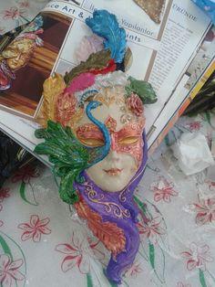 Buda tavuskuşlu mask