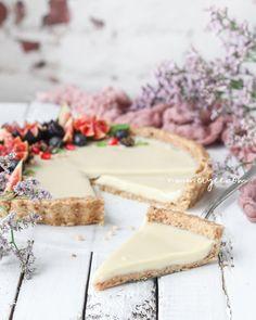 ... no-bake white chocolate ganache tart (vegan, gluten free) ...