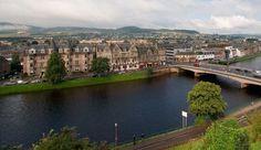 Inverness- Adquirido por Europamundo Inverness, Outlander, Lago Ness, Trending Topics, Scotland, River, Outdoor, Watch, Youtube