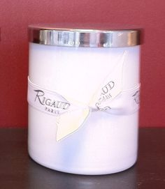 Riagud White Gourmandise Candle on sale at Homebello.