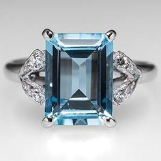 vintage aquamarine w/diamond accents 18K white gold