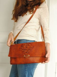 Leather shoulder bag, leather shoulder bag, leather 70s clutch, vintage handmade leather purse