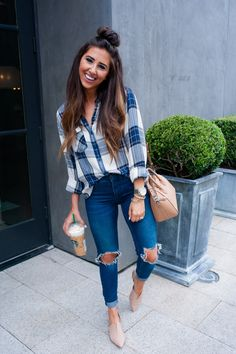 41 unique winter women style with casual flannel outfits. Cute Fall Outfits, Fall Winter Outfits, Spring Outfits, Cute Outfits With Flannels, Flannel Outfits Summer, Work Outfits, Cute Jean Outfits, School Outfits, Outfits For Mom
