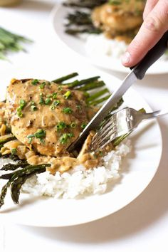 Enjoy this creamy mustard chicken recipe this summer. It's a quick and easy one skillet chicken dinner meal that is ready in 30 minutes! #summermeals #dinner Healthy Chicken Recipes, Easy Healthy Recipes, Easy Meals, Cooking Recipes, What's Cooking, Cooking Ideas, Delicious Recipes, Free Recipes, Keto Recipes