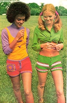 Crochet Banded Shorts Hot Pants Patterns. (not sure why though)