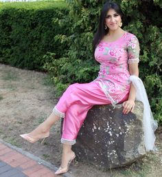What I wore when I was with to promote the Eid… Punjabi Fashion, Bollywood Fashion, Beautiful Girl Indian, Most Beautiful Indian Actress, Beauty Full Girl, Beauty Women, Punjabi Dress, Punjabi Girls, Desi Wear