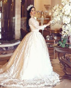 Gorgeous Wedding Dress, Beautiful Gowns, Dream Wedding, Pakistani Bridal Dresses, Bridal Gowns, Wedding Dresses 2018, Wedding Photography Poses, Wedding Dress Sleeves, Casual Wedding