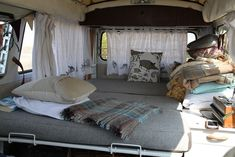I WILL have a VW hippie van with an interior like this one.