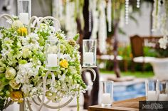 www.thedazzlingdetails.com, large candelabras with arrangements