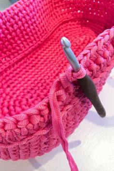 Accessories: Amour crochet hook 6 Esteri-weft aprx/about 1 kg Abbreviations: st=stitch, sc=single crochet, ch st=chain stit.Gorgeous Crochet Doll's Carry Basket This is a free pattern that I found on one of the crochet sites I belong to.Háček na Bag Pattern Free, Crochet Basket Pattern, Crochet Patterns, Crochet Baskets, Pattern Ideas, Crochet Ideas, Crochet For Beginners, Crochet For Kids, Free Crochet