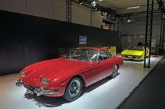 Primeiro carro da Lamborghini faz 50 anos Carros Clássicos.  Lamborghini 350 GT em exposição na Techno Classica