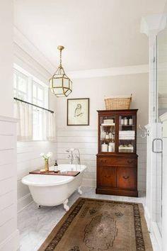Room Redo | Warm Vintage Bathroom