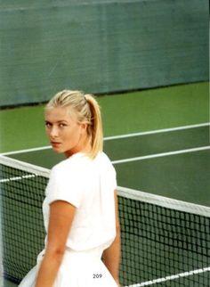 Tennis retro look by #Sharapova. #tennis #dress