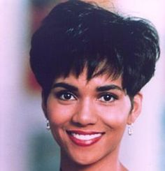 workout hairstyles for short hair bobs \ workout hairstyles for short hair ; workout hairstyles for short hair gym ; workout hairstyles for short hair bobs Halle Berry Young, Estilo Halle Berry, Halle Berry Storm, Halle Berry Short Hair, 1990 Hairstyles, Halle Berry Hairstyles, Workout Hairstyles, Short Bob Hairstyles, Hair