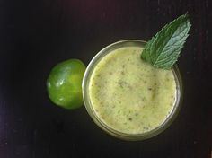 kiwiberry chia smoothie
