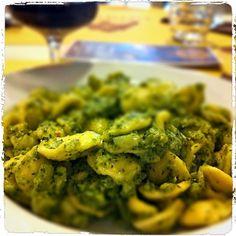 Orecchiette con broccoli.