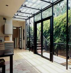 Modern glass cube extension, simply elegant with good applications. Interior Exterior, Exterior Design, Residential Architecture, Architecture Design, Roof Design, House Design, Black Window Frames, Glass Extension, Prefabricated Houses