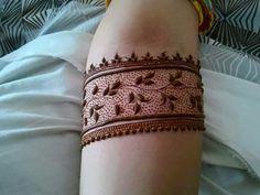 Bridal makeup diy simple Ideas for 2019 Indian Mehndi Designs, Stylish Mehndi Designs, Mehndi Designs For Girls, Wedding Mehndi Designs, Mehndi Designs For Fingers, Beautiful Henna Designs, Mehandi Designs, Mehndi Tattoo, Henna Tattoo Designs