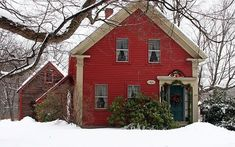 Picture perfect simply decorated house for Christmas