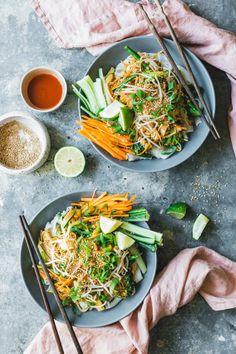 Peanut Sauce Noodles, Thai Rice Noodles, Rice Sauce, Seafood Recipes, Vegetarian Recipes, Healthy Recipes, Healthy Food, Peanut Recipes, Whole Food Recipes