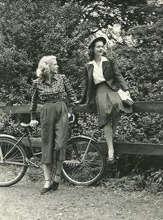 unisex clothing 1940s - Tìm với Google