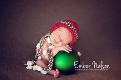 Christmas Baby One of the sweetest newborn pics I've ever seen