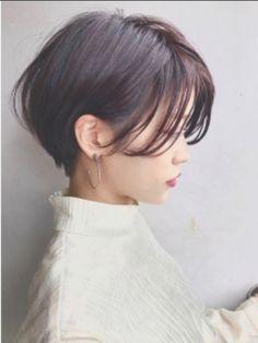 Korean short hair, hair styles и asian short hair. Medium Hair Cuts, Short Hair Cuts, Medium Hair Styles, Curly Hair Styles, Korean Short Hair Bob, Haircut Medium, Haircuts For Long Hair, Hairstyles Haircuts, Pretty Hairstyles
