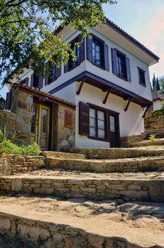 Village House Design, Village Houses, Beautiful Buildings, Beautiful Homes, Beautiful Places, Turkish Architecture, Architecture Design, Orient House, Unique House Design