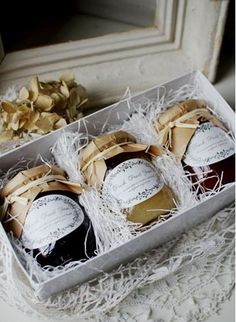 DIY your Christmas gifts this year with GLAMULET. they are compatible with Pandora bracelets. Jams - nice packaging and presentation. Honey Packaging, Cookie Packaging, Food Packaging Design, Packaging Ideas, Jam Label, Jam Jar, Gift Hampers, Food Gifts, Food Presentation