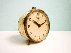 Vintage 50s Mauthe alarm clock manual wind up Cream. €49.00, via Etsy.