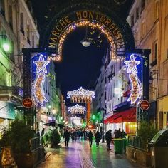 Christmas in Paris. #Noel #Montorgueuil #Paris #Christmas #Night #Avent #Advent #ChristmasLights