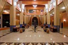 L'Hôtel Atlas Médina & Spa est un luxueux 5 étoiles de très haut standing. La décoration est un hommage à tout le savoir faire de l'artisanat marocain, allié à une touche de modernité.