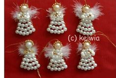 Beads and feathers Christmas Tree Beads, Christmas Crafts For Gifts, Christmas Angels, Craft Gifts, Christmas Time, Christmas Decorations, Beaded Crafts, Beaded Ornaments, Wire Crafts
