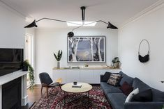 """""""Make this house feel like a home,"""" said the owners of this freestanding Victorian era home in the Sydney suburb of Bronte before it was transformed recently by The Designory. And perusingthe end result, I'd say that goal was most definitely achieved! Aftermoving from a… The post Real home: This chic Sydney family abode mixes old with new appeared first on The Interiors Addict.   Real home: This chic Sydney family abode mixes old with new"""