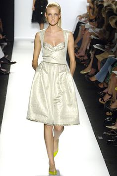 Oscar de la Renta Spring 2006 Ready-to-Wear Collection Slideshow on Style.com