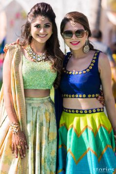 We get it- just the heat right now is wanting to make you melt into a puddle. But puddles don't make pretty brides you know. Hence we found five summer colors perfect for your summer wedding outfits. Lehenga Hairstyles, Indian Wedding Hairstyles, Engagement Hairstyles, Ethnic Outfits, Indian Outfits, Indian Clothes, Indian Attire, Indian Wear, Traditional Hairstyle