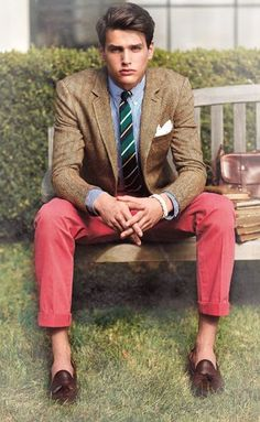 "ivy-league-style: "" ""Summer Ivy: Nantucket red chino's, light brown sport coat, blue striped poplin button down, tassel loafers, by Rugby RL "" "" we like to revisit this one… Gentleman Mode, Gentleman Style, Preppy Mens Fashion, Look Fashion, Preppy Style Men, Fashion Menswear, Fashion Hats, Fashion Wear, Spring Fashion"