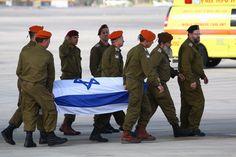 Os nomes dos três israelenses mortos no ataque terrorista em Istambul neste sábado, 19/3, foram liberados para publicação no domingo, 20/3. Simcha Damari, 60 anos, da cidade Dimona, Yonathan Suher, 40, de Tel Aviv, e Avraham Goldman, 69, de Ramat Hasharon morreram no ataque, disse o Ministério das Relações Exteriores. As equipes médicas da Magen…