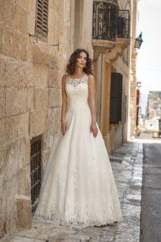 Minda | Celebrity Wrocław - suknie ślubne, sukienki ślubne