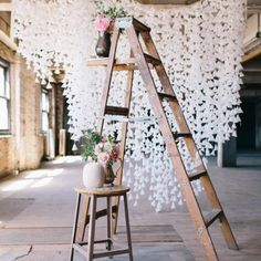 DIY Hanging Floral Backdrop // for your next garden party