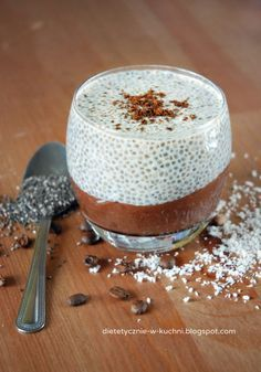 Chia Pudding with Coca. Chia pudding based on banana-cocoa power mousse! Healthy Desserts, Delicious Desserts, Yummy Food, Unique Recipes, Sweet Recipes, Brunch Recipes, Polish Recipes, Slow Food, Chia Pudding