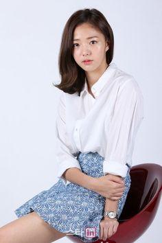 Chae Soo-bin (채수빈) - Picture @ HanCinema :: The Korean Movie and Drama Database Korean Actresses, Korean Actors, Bae Soo Bin, Stunning Girls, Korean Beauty, Beautiful Actresses, Star Fashion, Cool Girl, Photo Galleries