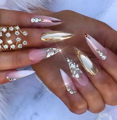 20 stunning lastest stiletto nail art ideas you'll love to try. Glam Nails, Bling Nails, Beauty Nails, Bling Bling, Beautiful Nail Art, Gorgeous Nails, Pretty Nails, Stiletto Nail Art, Acrylic Nails